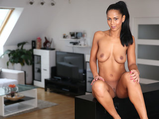 Lusty Czech hottie Isabella Chrystin has full..